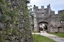 Pugnalata e murata viva: da secoli il suo fantasma abita nel castello